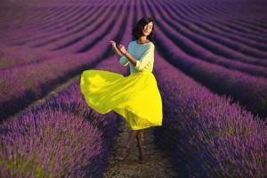 1-Девушка на лавандовом поле в Провансе